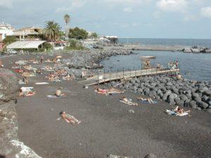 Catania spiaggia di San Giovanni Li cuti