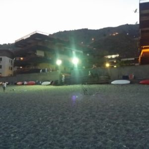 Spiaggia illuminata